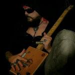 Snevern Live: VAN WOLFEN – Cigarbox Blues Guitar